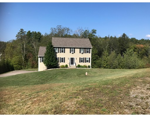 Single Family Home for Sale at 106 Pondview Road 106 Pondview Road East Brookfield, Massachusetts 01515 United States