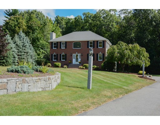 Single Family Home for Sale at 2 Scenic View Drive 2 Scenic View Drive Pelham, New Hampshire 03076 United States