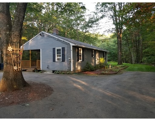 Single Family Home for Sale at 137 Parmenter Road 137 Parmenter Road Oakham, Massachusetts 01068 United States