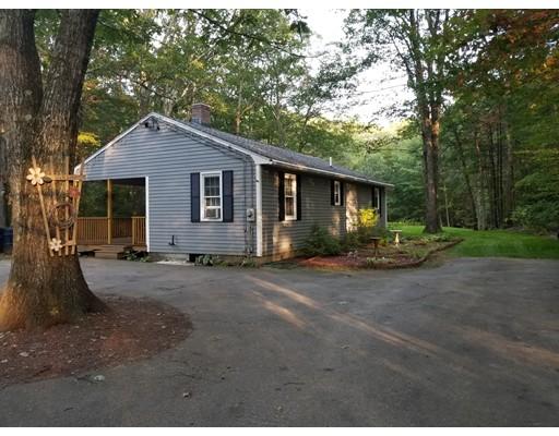 Частный односемейный дом для того Продажа на 137 Parmenter Road 137 Parmenter Road Oakham, Массачусетс 01068 Соединенные Штаты