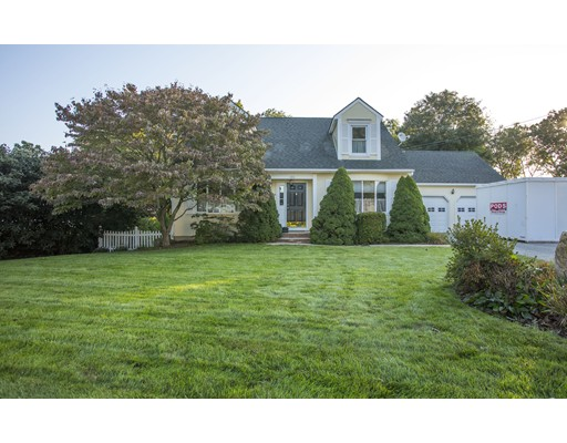 Single Family Home for Sale at 180 yeoman 180 yeoman Cranston, Rhode Island 02920 United States