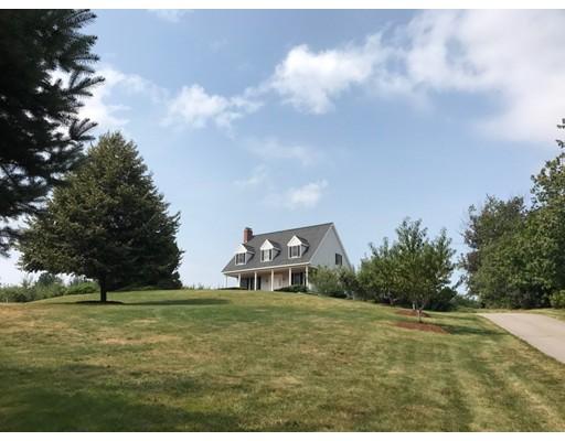 واحد منزل الأسرة للـ Sale في 186 Chace Hill Road 186 Chace Hill Road Sterling, Massachusetts 01564 United States