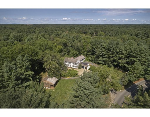 Single Family Home for Sale at 118 Conant Road 118 Conant Road Weston, Massachusetts 02493 United States