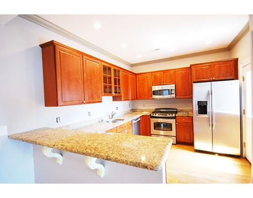Additional photo for property listing at 559 East 6th Street  Boston, Massachusetts 02127 Estados Unidos