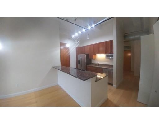 Casa Unifamiliar por un Alquiler en 51 Lafayette Street Salem, Massachusetts 01970 Estados Unidos