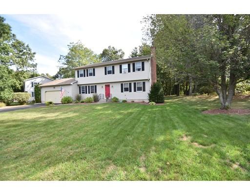 واحد منزل الأسرة للـ Sale في 13 Sheffield Drive 13 Sheffield Drive Easthampton, Massachusetts 01027 United States