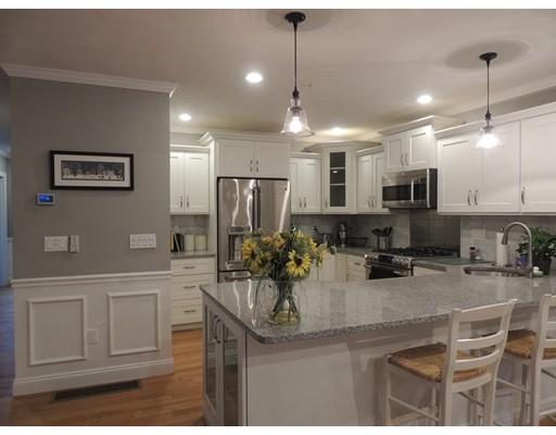 Casa Unifamiliar por un Alquiler en 76 Dudley Road 76 Dudley Road Berlin, Massachusetts 01503 Estados Unidos