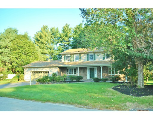 Single Family Home for Sale at 18 Towhee Drive 18 Towhee Drive Hudson, New Hampshire 03051 United States