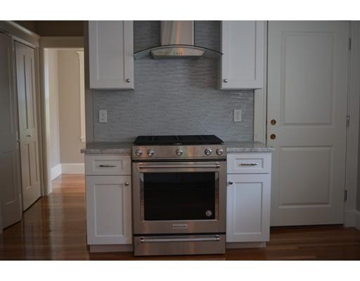 Apartamento por un Alquiler en 41 CARLETON RD. #2 41 CARLETON RD. #2 Belmont, Massachusetts 02478 Estados Unidos