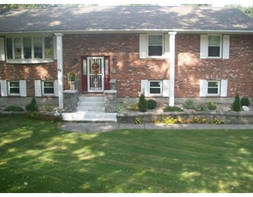 واحد منزل الأسرة للـ Sale في 48 Federal Street 48 Federal Street Agawam, Massachusetts 01001 United States