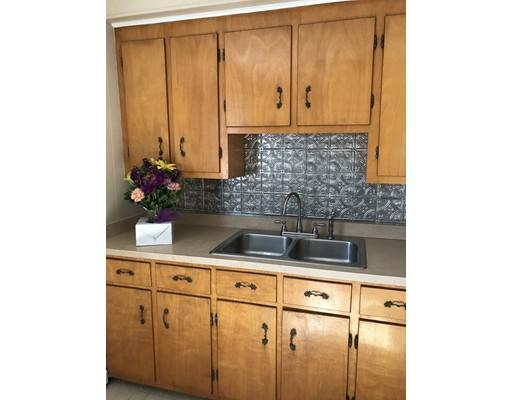 独户住宅 为 出租 在 137 Banville Avenue 137 Banville Avenue Somerset, 马萨诸塞州 02726 美国
