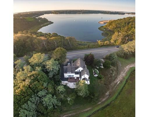 Casa Unifamiliar por un Venta en 714 Head Of The Bay Road 714 Head Of The Bay Road Bourne, Massachusetts 02532 Estados Unidos