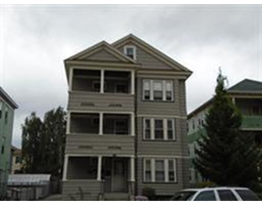 Casa Unifamiliar por un Alquiler en 412 GRAFTON Street Worcester, Massachusetts 01604 Estados Unidos
