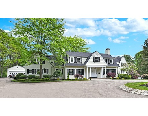 Maison unifamiliale pour l Vente à 300 Highland Street 300 Highland Street Milton, Massachusetts 02186 États-Unis