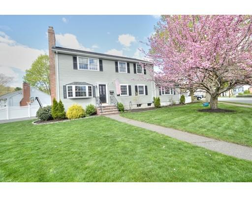 Single Family Home for Sale at 50 Putnam Avenue 50 Putnam Avenue Wakefield, Massachusetts 01880 United States