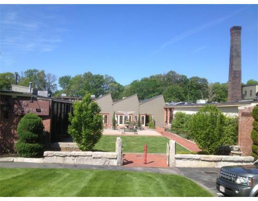 Additional photo for property listing at 31 Hayward Street 31 Hayward Street Franklin, Massachusetts 02038 United States