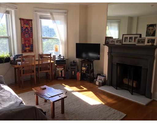 独户住宅 为 出租 在 210 Winthrop Road 布鲁克莱恩, 马萨诸塞州 02445 美国