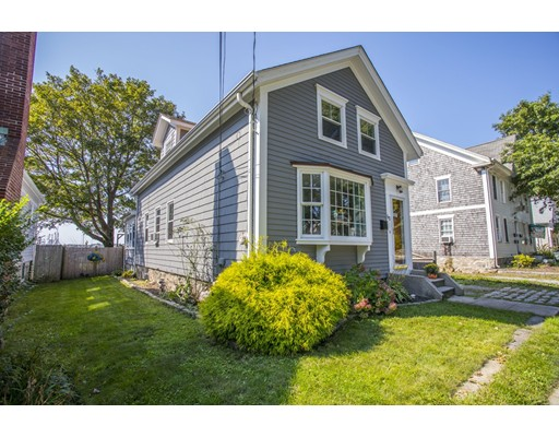 Maison unifamiliale pour l Vente à 60 Fort Street 60 Fort Street Fairhaven, Massachusetts 02719 États-Unis