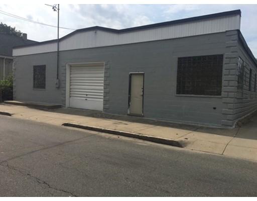 Additional photo for property listing at 226 Hillman Street 226 Hillman Street New Bedford, Massachusetts 02740 États-Unis