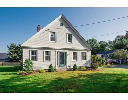 Single Family Home for Sale at 14 Cottage Street Pepperell, Massachusetts 01463 United States
