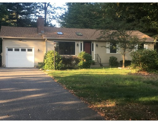 独户住宅 为 销售 在 17 Concord Drive 17 Concord Drive Easthampton, 马萨诸塞州 01027 美国