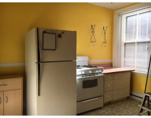 Additional photo for property listing at 26 parkway rd #2 26 parkway rd #2 Brookline, Massachusetts 02445 United States