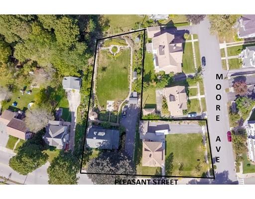Maison unifamiliale pour l Vente à 981 Pleasant Street 981 Pleasant Street Worcester, Massachusetts 01602 États-Unis