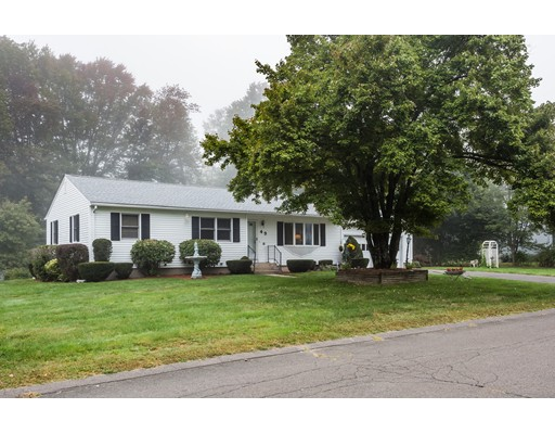 Additional photo for property listing at 49 Warwick Drive  Ludlow, Massachusetts 01056 Estados Unidos