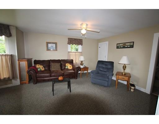 390 E Main St, East Brookfield, MA, 01515
