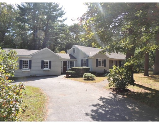 Single Family Home for Sale at 16 Main Street 16 Main Street Wenham, Massachusetts 01984 United States
