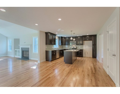 Частный односемейный дом для того Продажа на 57 Chapman Street 57 Chapman Street Dunstable, Массачусетс 01827 Соединенные Штаты