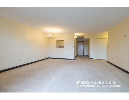 Additional photo for property listing at 70 Centre St. #6B 70 Centre St. #6B Brookline, Massachusetts 02446 United States