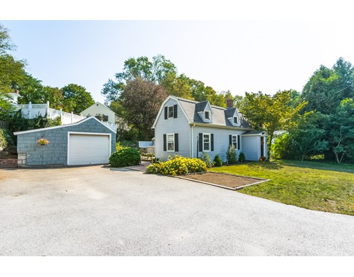 Single Family Home for Sale at 6 Brooks Street 6 Brooks Street Upton, Massachusetts 01568 United States