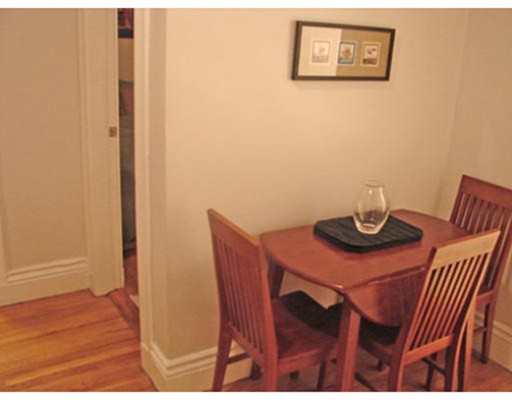 共管式独立产权公寓 为 出租 在 52 Charlesgate E #161 52 Charlesgate E #161 波士顿, 马萨诸塞州 02215 美国