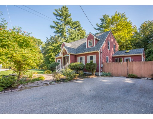 Additional photo for property listing at 8 Canney  Taunton, Massachusetts 02780 Estados Unidos