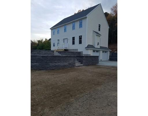 واحد منزل الأسرة للـ Sale في 2 Willow Road 2 Willow Road Ayer, Massachusetts 01432 United States