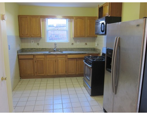 Additional photo for property listing at 5 Green St #2 5 Green St #2 Boston, Massachusetts 02130 États-Unis