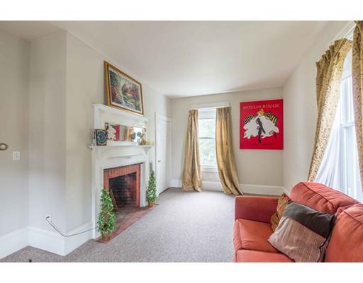 Apartamento por un Alquiler en 62 Highland St #2 62 Highland St #2 Amesbury, Massachusetts 01913 Estados Unidos