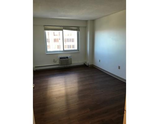 Condominio por un Alquiler en 130 Bowdoin #1702 130 Bowdoin #1702 Boston, Massachusetts 02114 Estados Unidos