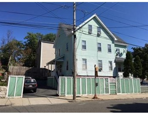 多户住宅 为 销售 在 19 Barstow Street 19 Barstow Street 莫尔登, 马萨诸塞州 02148 美国