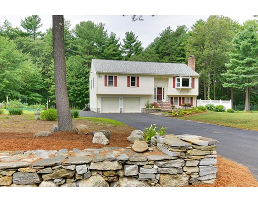 Single Family Home for Sale at 12 Parmenter Road 12 Parmenter Road Hudson, Massachusetts 01749 United States