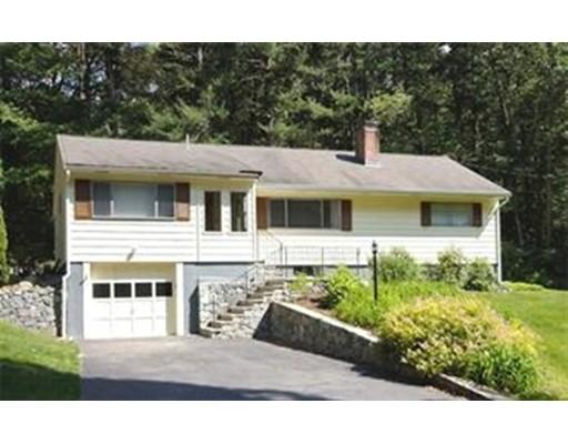 Casa Unifamiliar por un Alquiler en 24 Hilltop Drive 24 Hilltop Drive Bedford, Massachusetts 01730 Estados Unidos