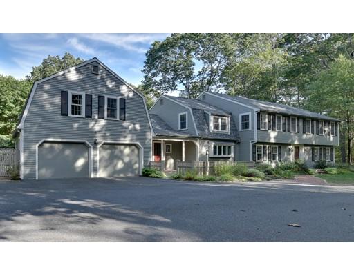 واحد منزل الأسرة للـ Sale في 16 Deerfield Road 16 Deerfield Road Sherborn, Massachusetts 01770 United States