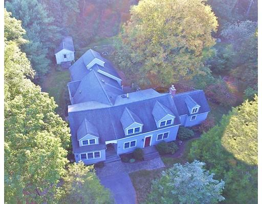واحد منزل الأسرة للـ Sale في 991 West Street 991 West Street Stoughton, Massachusetts 02072 United States