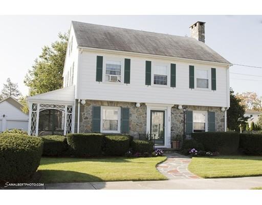 独户住宅 为 销售 在 15 Belgrade 15 Belgrade Pawtucket, 罗得岛 02861 美国