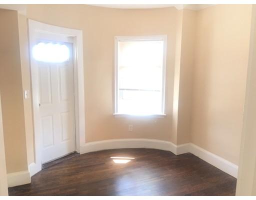 独户住宅 为 出租 在 10 Fitz Terrace 切尔西, 马萨诸塞州 02150 美国