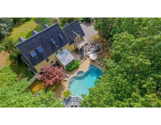 独户住宅 为 销售 在 1 Shady Lane 1 Shady Lane 梅德韦, 马萨诸塞州 02053 美国