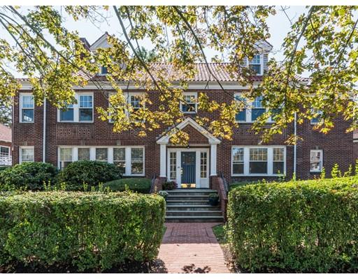 独户住宅 为 销售 在 226 Commonwealth Avenue 牛顿, 02467 美国