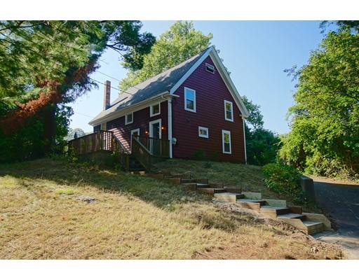 Maison unifamiliale pour l Vente à 132 Russell Street 132 Russell Street Peabody, Massachusetts 01960 États-Unis