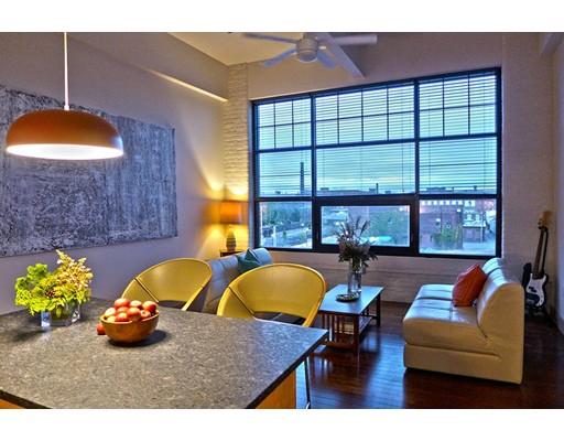 Apartamento por un Alquiler en 164 Race St. #301 164 Race St. #301 Holyoke, Massachusetts 01040 Estados Unidos